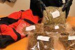 Nascondeva un borsone con 2 kg di marijuana in garage, 42enne arrestato a Pellaro