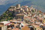 Coronavirus: a Castel di Lucio si allenta la morsa, nuovi casi a Caprileone e Letojanni