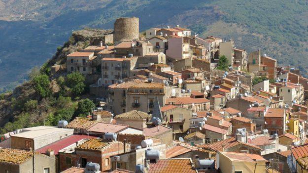 Castel di Lucio, regione siciliana, Messina, Sicilia, Economia