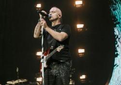 Eros Ramazzotti canta in spagnolo: grande successo a Buenos Aires e Rio De Janeiro Per il cantante un ritorno in Brasile a distanza di quattro anni - Corriere Tv