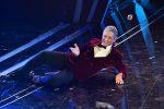 Sanremo, Fiorello sul palco fa ballare l'Ariston sulle note di Stayin' Alive