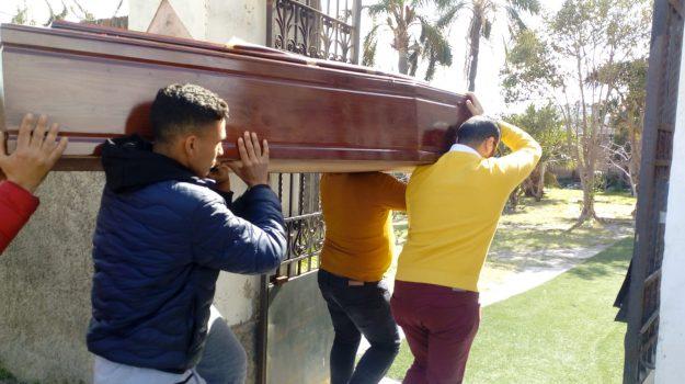 A Messina il funerale di Fares, il giovane libico ucciso da polmonite e solitudine