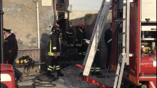 incendio, nizza di sicilia, Messina, Sicilia, Cronaca