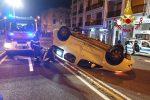 Incidente in serata a Messina, auto si ribalta in viale Boccetta