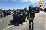 Crotone, incidente fra due auto sulla strada statale 106 Jonica: tre feriti