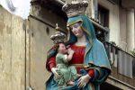 Cosenza, l'omaggio dei fedeli alla Madonna del Pilerio: domani la messa solenne