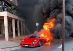 Montecarlo: una Ferrari F40 inghiottita dalle fiamme in pieno centro Non è chiaro cosa abbia provocato l'incendio - CorriereTV