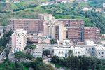 Licenziamenti in arrivo per 50 infermieri, ospedale di Reggio a rischio paralisi