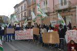 Cas di Nicotera a rischio chiusura, sit-in di protesta di lavoratori e migranti - Foto