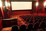 Coronavirus, crollano incassi nei cinema (-44%): rinviate uscite film Verdone e Ligabue-Germano
