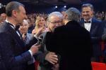 Sanremo 2020, il saluto di Vincenzo Mollica: «Ho due compagni di viaggio: il glaucoma e il Parkinson»