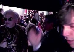 Sanremo 2020, le immagini della litigata tra Morgan e Bugo prima di entrare in scena Sulle scale che portano al palcoscenico i toni tra i due diventano incandescenti poco prima di cantare «Sincero» - Corriere Tv