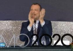 Sanremo, la sala stampa saluta Amadeus e lui si commuove Durante l'ultima conferenza del Festival - AGTW