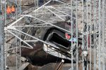 Treno deragliato in Lombardia, schianto a 300 all'ora: le foto della tragedia