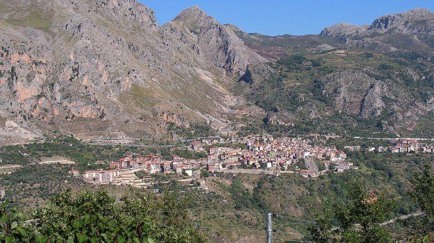 Edy Bandiera, Messina, Sicilia, Economia