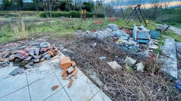 castrovillari, vandalismo, Cosenza, Calabria, Cronaca