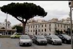Megafoni a Messina, il sindaco De Luca ordina di non uscire di casa