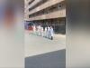 """Reggio, i vigili del fuoco omaggiano i sanitari in """"guerra"""" contro il coronavirus"""