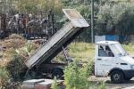 A Santa Teresa di Riva un terreno comunale si trasforma in discarica abusiva