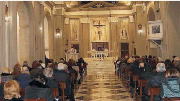 messe domenicali, santuario crocifisso, Cosenza, Calabria, Società