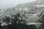 Torna la neve, Cosenza e provincia si risvegliano con i tetti imbiancati