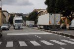 Porto di Tremestieri insabbiato per il maltempo e le strade di Messina invase dai tir