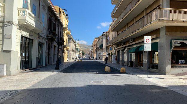 Corso Garibaldi silenzioso e senza passanti