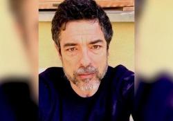 Alessandro Gassmann: «Io posso aspettare che passi la bufera, tanti altri no» Il racconto della quarantena dell'attore romano - CorriereTV
