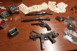 Nasconde armi, munizioni e tre kg droga: 56enne di Messina condannato a 8 anni