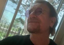 Coronavirus, Bono dedica una canzone all'Italia e ai medici in prima linea La clip postata dal frontman degli U2: «Ispirata dagli italiani». Il nuovo brano si intitola «Let your love be known» - Corriere Tv