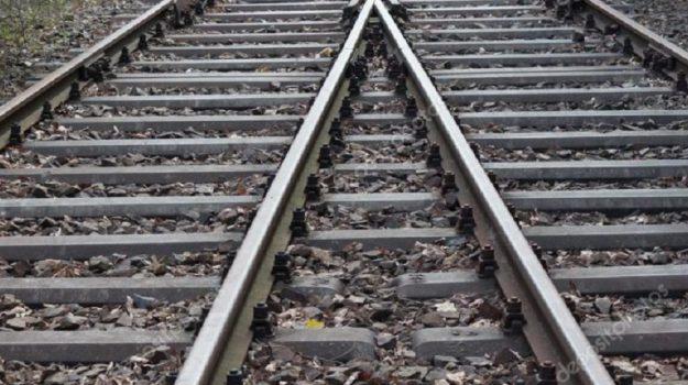 ferrovie, paola, treno deragliato, Cosenza, Calabria, Cronaca