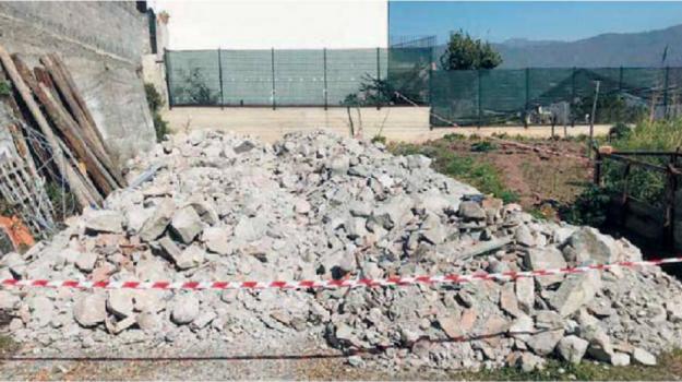discarica abusiva, limina, Messina, Sicilia, Cronaca