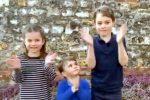 Coronavirus, a Londra dai figli di William e Kate applauso a medici e infermieri