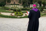 Messina, l'arcivescovo Accolla in visita privata al Cimitero monumentale