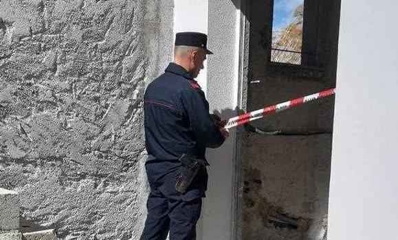 abusivi, lavori edili, torrente, Cosenza, Calabria, Cronaca