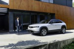 Mazda presenta la gamma della MX-30, 100% elettrica