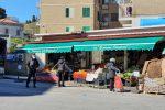 """Messina, i commercianti si preparano a rispettare l'ordinanza: """"coprifuoco"""" dalle 18"""