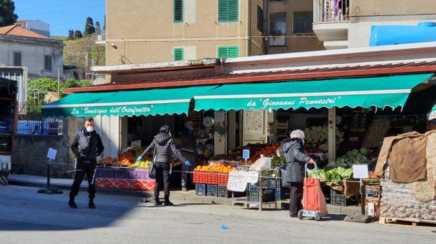 commercianti, negozi, ordinanza, Cateno De Luca, Messina, Sicilia, Cronaca