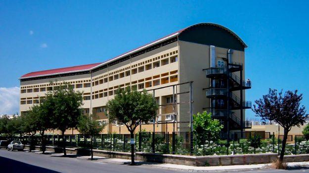 coronavirus, ospedale, posti letto, ruggero razza, Messina, Sicilia, Cronaca