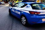Rapina in banca a Corigliano, in due tengono in ostaggio i clienti per farsi consegnare i soldi