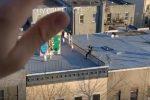 New York, la vede ballare sul tetto: storia di un amore nato in quarantena