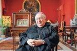 Dalla chiesa all'ospedale di Reggio, la Via Crucis del vescovo Fiorini Morosini