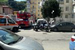 Messina, friggitrice prende fuoco in appartamento: vigili del fuoco in azione