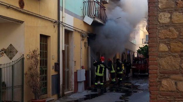 incendio, letojanni, Messina, Sicilia, Cronaca