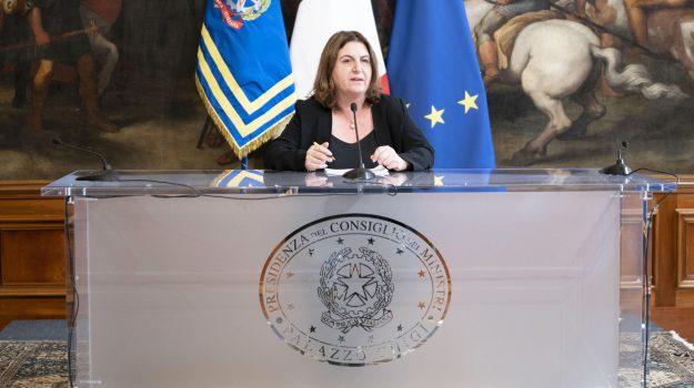 coronavirus, decreto agosto, inps, reddito di emergenza, Nunzia Catalfo, Sicilia, Economia