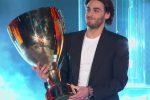 """Finale di Amici, Alberto Urso parla del Coronavirus: """"Questa coppa sia il simbolo della vittoria dell'Italia"""""""