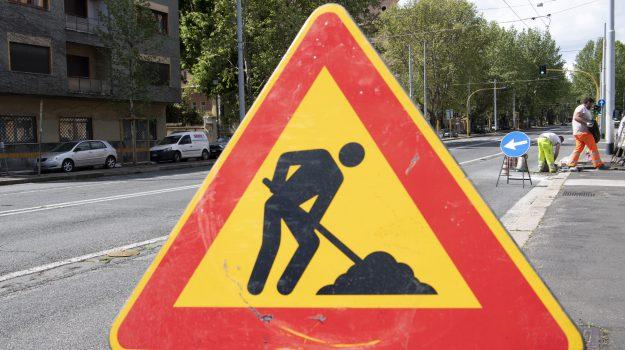 manutenzione strade, viabilità, Messina, Sicilia, Economia