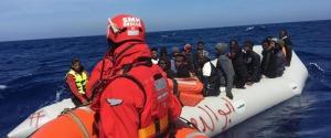 Migranti soccorsi in mare