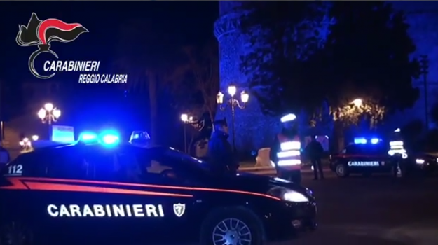 maltrattamenti, sparatoria, stalking, Reggio, Calabria, Cronaca