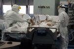 Coppia separata dal Coronavirus a Reggio: lei guarisce, lui resta in ospedale